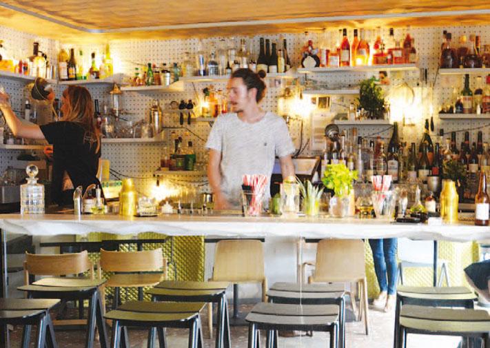 Les Spiritueux Français Piliers D Un Bar à Cocktails Savamment