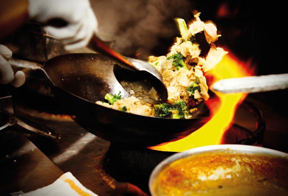 Le wok est au cœur des concepts axés sur la cuisine thaïlandaise. ©Shutterstock
